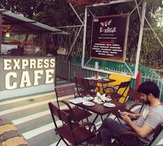 #OliveAndHoney #Express #Cafe #NewMarket is the #Place you want to be in the #evenings @syedfaizmubarak #iphonography
