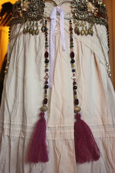 Tribal belly dance - great idea front beads 'n tassels - make the seperate from belt & use on any belt.  And love the cream coloured skirt.