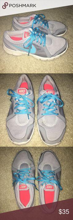 Nike tennis shoes Women's Nike tennis shoes. Size 8. Nike Shoes Athletic Shoes