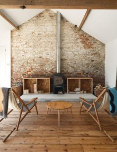 Usually the living room interior of the exposed brick wall is rustic, elegant, and casual. Exposed brick wall will affect the overall look of your house more appreciably. Barn Living, Home And Living, Living Rooms, Simple Living, Natural Living, Living Area, Modern Living, Style At Home, Sweet Home