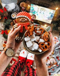 "⛄Christmas 🎄 on Instagram: ""48 DAYS UNTIL CHRISTMAS  FOLLOW @santaclaaus_hohoho ❄🎄🌠🌨🌬☃🎄🌠❄🎅 📸photo @kris_zhuravleva_ Follow the accounts that I tagged they are amazing.…"""