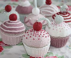 knit cupcakes - MUST make these for Christmas! But only if I'm done writing the new novel and meet my deadline. Sigh.
