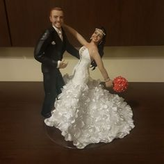 Tem topo de bolo com vestido sereia maravilhoso da @sandra_dias_biscuit !!! . . . Já contei pra vocês que a @sandra_dias_biscuit e especialista em topos de bolos humanizados? Ela arrasa muito noivinhas e envia pra todo Brasil . . #noiva #topodebolo #noivos #wedding #madrinha #teambride #grandedia #inspiracao #ideiasparacasamento #blogdecasamento #ideiasparacasamento #biscuit #casamento #casal #dress #vestidodenoiva #buque #decoracaodecasamento #flores #weddingdresses #luxo #love #bridal