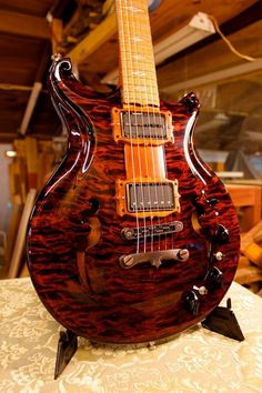 Maple Special Walker electric guitar