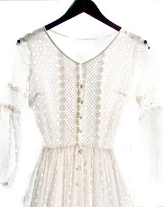classic Lace & eyelet mix Do bride's maids dress need to match? Come up with a theme, a country wedding, and shop vintage and make reproductions. Dress Me Up, Dress Skirt, Bohemian Wedding Dresses, Vintage Bohemian, Everyday Fashion, Style Me, White Dress, Style Inspiration, Dream Wedding