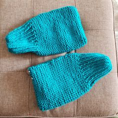Mashed two patterns together Knitted Slippers, Knitted Hats, Knit Crochet, Patterns, Knitting, Fashion, Block Prints, Moda, Knit Slippers