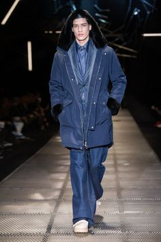 VERSACE FW15 MEN'S COLLECTION Check more at http://www.blogyblog.net/versace-fw15-mens-collection/