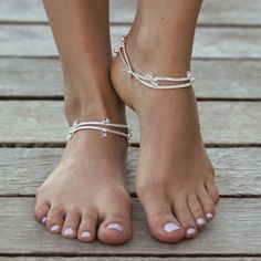 DESCRIPTION    AVAILABLE FOR PRE-ORDER ONLY! BACK IN STOCK LATE FEB. Fall in love with these simple Samoa anklets from Forever Soles. These