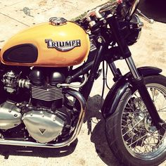 Custom Triumph Bonneville @TriumphMotorcycles  Reminds me of rides with dad on his Triumph!