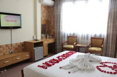 Cheap prices staying in high standard room design with Aircondition...http://madammoonguesthouse.com/features