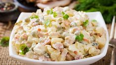 Russian Salad is a classic salad recipe, which can add charm to any party. Check Out the Famous Russian Salad Recipe here on the Indian Food Club. Russian Salad Recipe, Russian Potato Salad, Croatian Recipes, Indian Food Recipes, Ethnic Recipes, Ensalada Rusa Recipe, Chicken Potato Salad, Chicken Olives, Smoked Chicken