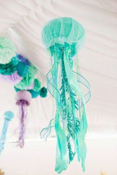 Make a birthday splash with the Mermaid party trend and these whimsical jelly fish pieces. Mermaid party decoration inspiration to compliment to the Bee Box Parties Mermaid Collection. Little Mermaid Birthday, Little Mermaid Parties, The Little Mermaid, Under The Sea Theme, Under The Sea Party, Fish Lanterns, Paper Lanterns, Hanging Lanterns, Mermaid Baby Showers