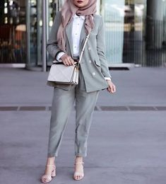 Stylish Hijab, Modest Fashion Hijab, Casual Hijab Outfit, Hijab Chic, Muslim Fashion, Suit Fashion, Fashion Outfits, Mode Kimono, Hijab Trends