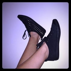 ❄️SALE❄️Studded black shoe Just worn once / almost new / size 6.5/7 fits comfier if u have narrow feet  ( no trade ) Shoes Sneakers