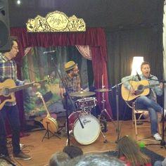 Concierto de Josh Rouse & The Long Vacations en Merienda Pop.