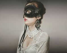 Photoreal Masquerade Paintings : Lee Guk Hyun