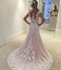 Um verdadeiro sonho esse vestido. Por: @isabellanarchi #noivasonhante #vestido #vestidos #vestidodenoiva #noiva #noivas #noivalinda #voucasar #meudia #linda #amor #felicidade #diafeliz #detalhes #casamento #meucasamento #casar #casei #casamentos #prontaparaosim #entradadanoiva #weddingday #wedding #weddings #weddingdress