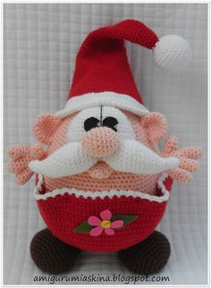 "En Güzel Örgülerim: AMİGURUMİ ~ This little guy is on my, ""must make because he is so darn cute"" list. This Amigurumi Artist RoCkS! Crochet Santa, Holiday Crochet, Christmas Knitting, Christmas Toys, Crochet Amigurumi Free Patterns, Crochet Animal Patterns, Stuffed Animal Patterns, Crochet Dolls, Crochet Animals"