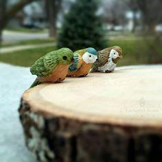 Miniature Birds Set - Fairy Garden Birds Perching Hawk Macaw & Green Parrot, Dollhouse Accessories, Floral Supplies, Terrarium Accessories