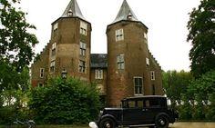 Kasteel Dussen - Top Trouwlocaties - Dussen, Noord-Brabant #trouwlocatie #trouwen #feestlocatie Holland, Dutch, Medieval, Mansions, World, Places, Wedding, Castles, Europe