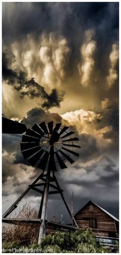"Top 10 Weather Photographs: January 2016 ""Supercell Over the Old Barn"" – Needs a title! Old barn and windmill with a supercell at sunset from Eastern Colorado. Pretty Pictures, Cool Photos, Farm Windmill, Old Windmills, Old Barns, Le Moulin, Farm Life, Beautiful Landscapes, Beautiful World"