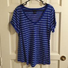 Torrid Top Torrid T-shirt. Torrid size 0. Sleeves roll at end. torrid Tops Tees - Short Sleeve