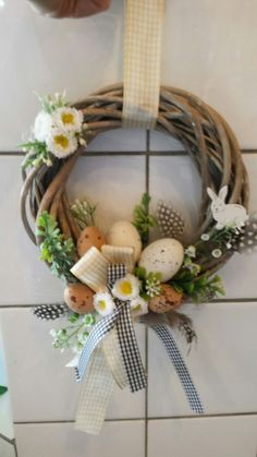 70 Colorful Easter and Spring Decoration Ideas which are Cheerful & Chirpy - Eth. 70 Colorful Easter and Spring Decoration Ideas which are Cheerful & Chirpy – Eth… 70 Colorful Rabbit Sculpture, Easter Colors, Diy Easter Decorations, Easter Wreaths, Spring Crafts, Easter Crafts, Grapevine Wreath, Free Images, Door Hangings