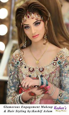 {♡} Pakistani Makeup Looks, Pakistani Bridal Makeup, Indian Bridal Fashion, Pakistani Bridal Dresses, Bridal Photoshoot, Bridal Poses, Hair Jewelry, Bridal Jewelry, Bridal Makeup Looks