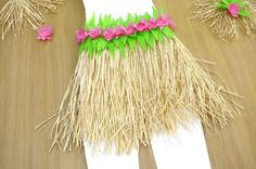 Le-pagne-traditionnel-de-Vaiana-(Fille)-V.jpg Source by Beautiful Ankara Gowns, Luau Outfits, Aloha Party, Diy Hacks, Holidays And Events, Holiday Parties, Diy And Crafts, Hawaii, Animation