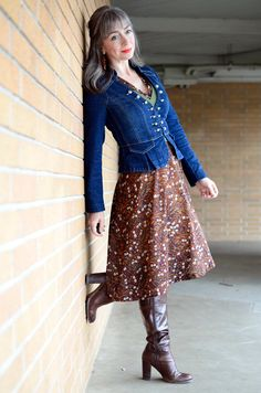 Once upon a time, I favored waist-cinching outfits. Sexy Boots, High Boots, Leather High Heels, Leather Boots, Dress Skirt, Lace Skirt, Denim Corset, Sexy Women, Women Wear
