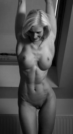 Old Fit Woman Nude 73