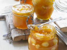 Ein Sommerfrühstück ohne Konfitüre? Unvorstellbar! Die Aprikosenkonfitüre-Rezepte von EAT SMARTER lassen Schlemmerherzen höher schlagen.