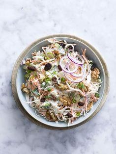 Frisse koolsalade - Libelle Lekker Easy Healthy Recipes, Lunch Recipes, Summer Recipes, Salad Recipes, Cooking Recipes, Salade Caprese, Feel Good Food, Vegetable Salad, Summer Salads