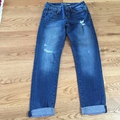 Aeropostale skinny Capri jeans Worn once. Super cute skinny cropped jeans by Aeropostale. Aeropostale Jeans Ankle & Cropped