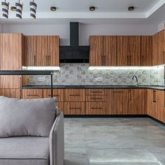 If you enjoy sleek lines, polished surfaces, and classy, up-to-date looks, we've got some ideas for your kitchen that will make you swoon.⠀⠀ ⠀⠀ #modernkitchen #modernkitchendesign #modernkitchenstyle #modernkitchendecor #moderncabinetry #kitchendesign #kitchen #interiordesign #interior #kitchendecor #design #homedecor #home #homedesign #kitcheninspo #kitchenremodel #interiors #renovation #kitchenrenovation #kitcheninspiration #kitchencabinets #kitchengoals #woodkitchen #woodkitchencabinets Traditional Kitchen Cabinets, Metal Kitchen Cabinets, Kitchen Cabinet Styles, Black Cabinets, Modern Cabinets, Upper Cabinets, Modern Kitchen Renovation, Modern Kitchen Design, Home Design