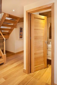 Benefits that you could derive by using the interior wood doors for your home or office. Oak Interior Doors, Door Design Interior, Oak Doors, Front Doors, Exterior Doors, Screen Doors, Entrance Doors, Sliding Doors, Patio Doors