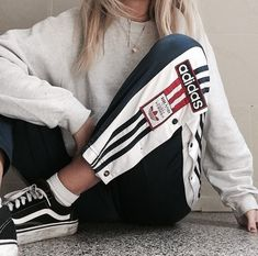 Best Cute Outfits For School Part 13 Girl Outfits, Casual Outfits, Fashion Outfits, Womens Fashion, 90s Fashion, Fashion Tips, Moda Converse, Mode Adidas, Mode Grunge