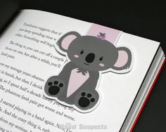 Lose your place sometimes while reading? Never be bamboozled again! This un-bear-ably cute magnetic bookmark will stick around where you leave him and will look super koala while doing it. Never lose