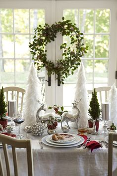 Christmas morning tablescape