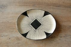 A Plate A Day: Ashida Pottery - pottery - ceramics Japanese Ceramics, Japanese Pottery, Pottery Plates, Ceramic Pottery, Plates And Bowls, Plates On Wall, Earthenware, Stoneware, Tablecloth