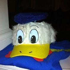 Close up of DIY Donald duck costume Baseball Costumes, Duck Costumes, Running Costumes, Disney Costumes, Baseball Hat, Disney Dress Up, Run Disney, Disney 10k, Donald Duck Kostüm