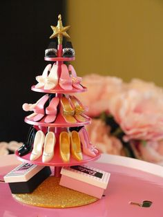 the Mathews Family Happenings: How to have a girly vintage Barbie party