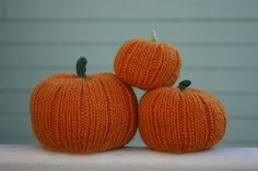 free pumpkin knit pattern another http://thesittingtree.blogspot.com/2011/10/free-knitting-pattern-jack-be-little.html