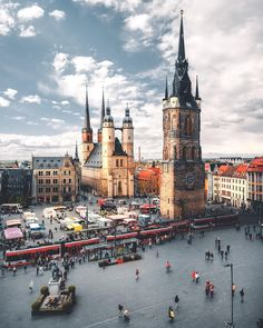 10 Best Places to Visit in Germany - Tour To Planet Cool Places To Visit, Places To Travel, Places To Go, Halle, Saxony Anhalt, Berlin City, Heart Of Europe, Neuschwanstein Castle, Plein Air