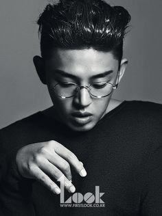 Yoo Ah In - 1st Look Magazine Vol.53