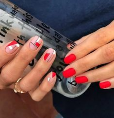 30 Best Spring Nail Designs Inspire Your Next Manicure Shellac Nails, Nail Manicure, Diy Nails, Nail Polish, Manicures, Minimalist Nails, Stylish Nails, Trendy Nails, Love Nails