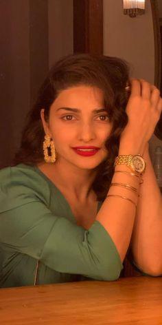 Prachi Desai Wallpapers [HD] Prachi Desai, Bollywood Girls, Wallpapers, Wallpaper, Backgrounds