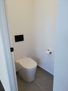 Toilet, Bathroom, Bath Room, Full Bath, Bathrooms, Toilets, Downstairs Bathroom, Bathing, Powder Room