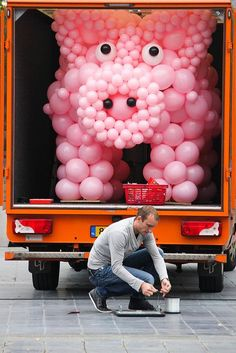 I need a giant pig balloon sculpture for a birthday!