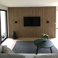 Discover some of the most striking design project by the top interior designer Katerina Goodwill. Home Room Design, Home Design Decor, Living Room Designs, House Design, Home Decor, Tv Wall Design, Home Living Room, Living Spaces, Wood Slat Wall